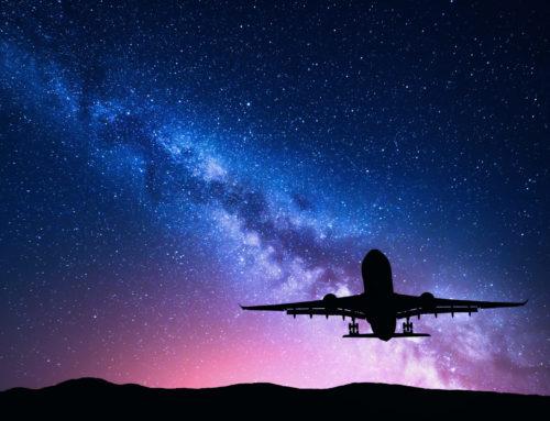 Es por eso que la luz se apaga cuando despega en un avión